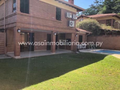 Amplia Casa En Condominio Con Piscina Y 3 Suites