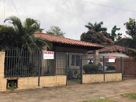 En Venta Casa Villa Adela Luque