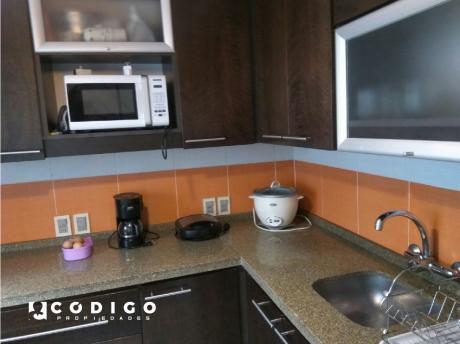 Venta De Casa En Buceo - Unión, 3 Dormitorios,con Garage Y Patio