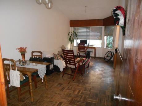 Casa De Tres Dormitorios, Funcional, Luminosa.-