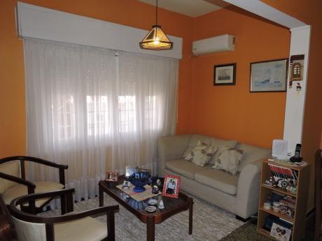Casa 2 Dormitorios 2 Baños Fondo Y Cocheras