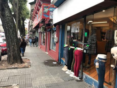 Local Comercial En Alquiler En Arenal Grande Y Amezaga.