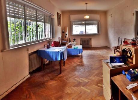 Casa 4 Dormitorios, 2 Baños Y Garaje ( La Blanqueada )