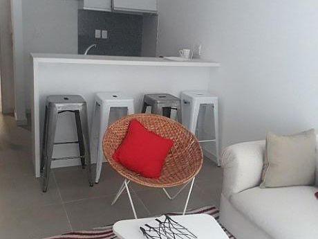 Apartamento De 1 Dormitorio Con Patio Y Parrillero