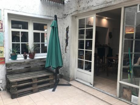 Pocitos, 3 Dormitorios, 2 Baños, Patio, Parrillero, Closet. Living Cocina