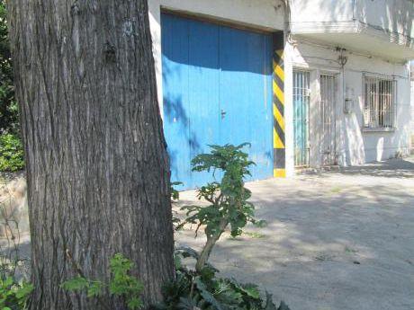 Local, Garage, Deposito, Con Fosa. 148 Metros