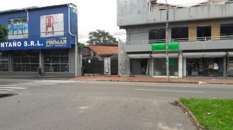 Av. Brasil Entre 1er Y 2do Anillo - Casa En Alquiler