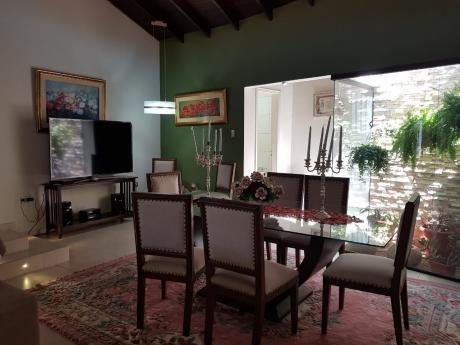 Alquilo Residencia Amoblada En Barrio Los Laureles