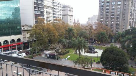 18 De Julio Frente A Plaza Fabini - Gran Vista - Centro