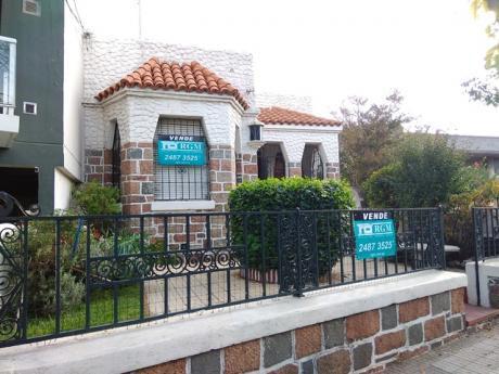 Casa De Estilo Sobre Luis A. De Herrera