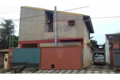 Duplex De 3 Habitaciones, Cercano A Calle Última