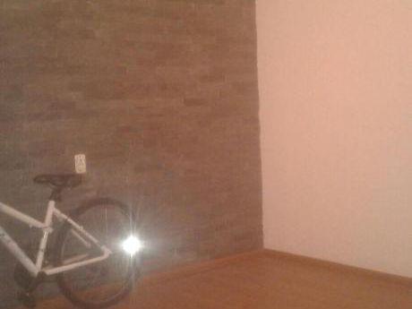 Amplia Casa Reciclada 3 Dorm 2 BaÑos Prox Nvo Centro Buena Zona