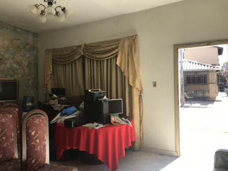 Alquilo Casa Para Vivienda U Oficana De Un Ambiente Sobre 4ta.