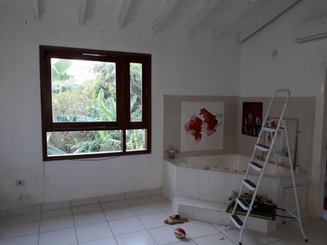 Casa Tipo Duplex En Barrio Mburucuya / Primer Presidente