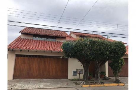 Casa En Las Palmas A Solo 3 Cuadras Del Colg Americano