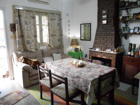 Muy Buena Ubicación, 2 Casas Sobre Matto Grosso, Alquila Por Separado!!