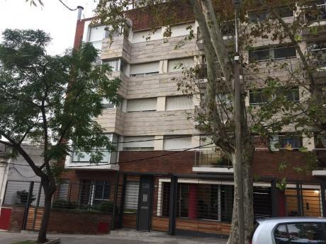 Apartamento 2 Dormitorios,2 Baños,garaje