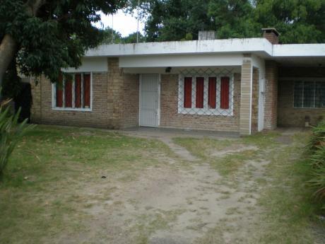 Casa De 3 Dorm. Y Dos Baños Con Gran Jardin Y Amplio Fondo