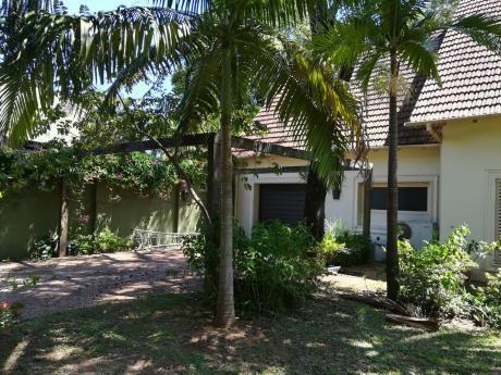 Amplia Residencia De 4 Suites Zona Embajada Americana - Bernardino Caballero