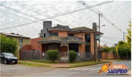 Residencia En Barrio Herrera