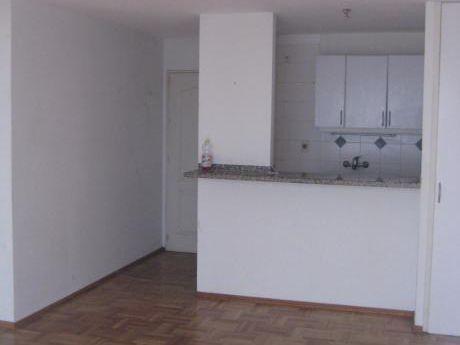 Alquiler Apartamento 1 Dormitorio Con Patio Pocitos