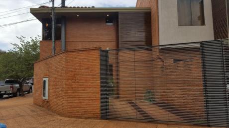 Vendo Duplex En Mburucuya