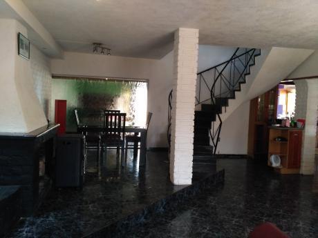 2 Casas En Mismo Terreno, Muy Amplias, Con Patio Y Barbacoa Cada Una