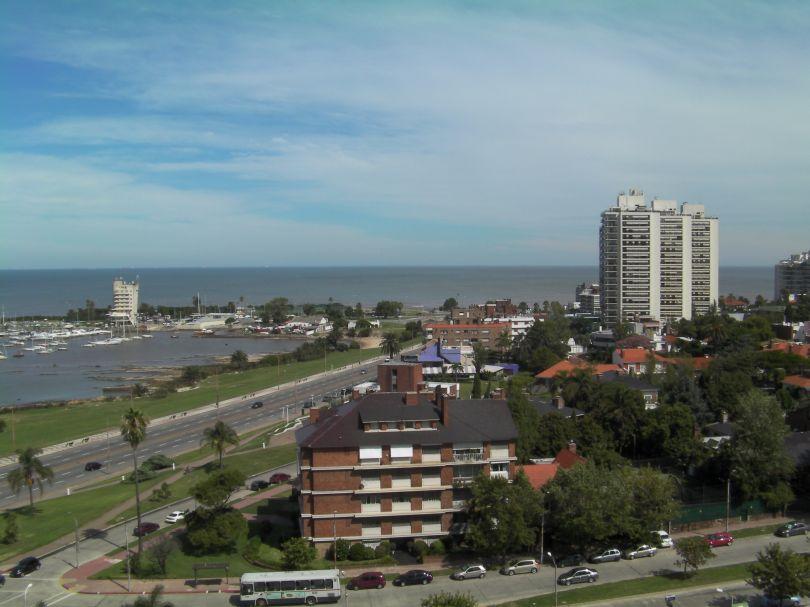 Optima Para Empresa PrÓxima A Montevideo Shopping