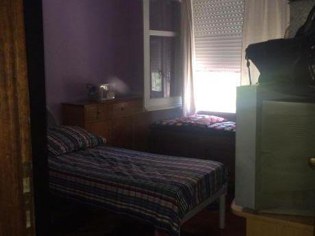 Venta Apartamento 2 Dormitorios Excelente Ubicación Primer Piso Por Escalera