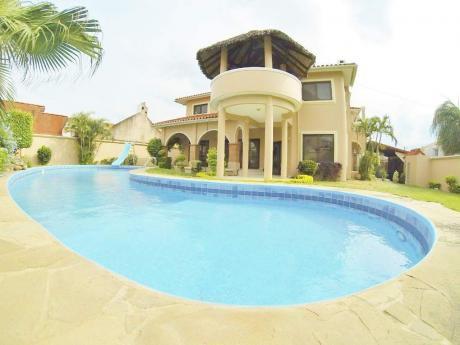 Hermosa Y Amplia Casa En Anticretico En Sirari Ideal Para Empresa O Vivienda