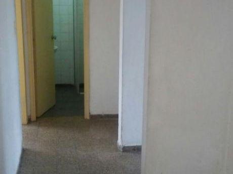 Apartamento 3 Dormitorios, Un Baño, 72 Metros