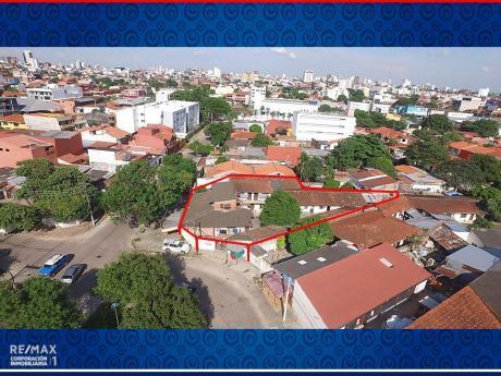 Inmueble Comercial - Frente A Plaza Santa Rosita