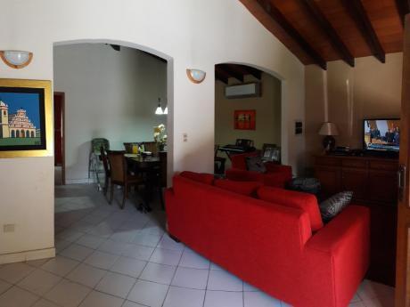 Casa Toda En Planta Baja - Lambare Santa Lucia