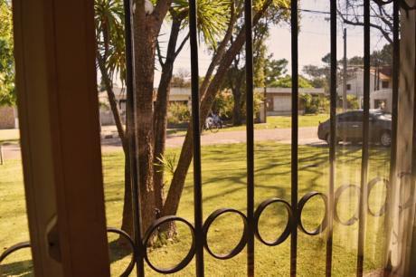 Oportunidad! Se Vende Carrasco Norte 2 Casas En Mismo Padrón De 813mts