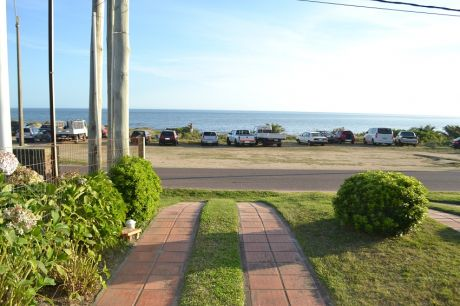 Casa En Atlántida Frente Al Martotalmente Equipada + Apartamento Al Fondo
