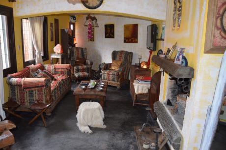 Propiedad En Parque Miramar De 4 Dormitorios.