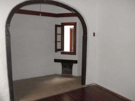 Apartamento, 1 Dormitorio Y Medio En Centro,para Entrar!!