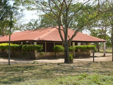 Estancia En Cadete Pando - Chaco Paraguayo