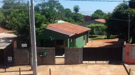 Oferto Casa Sobre Avenida Importante De San Lorenzo Cerca De Un Hospital Publico