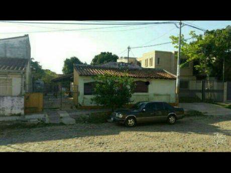 Inversionistas. Casa Para Demoler O Refaccionar En Asunción.