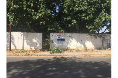 Amplio Terreno Cercano Al Nuevo Eje Corporativo - Barrio Santisima Trinidad