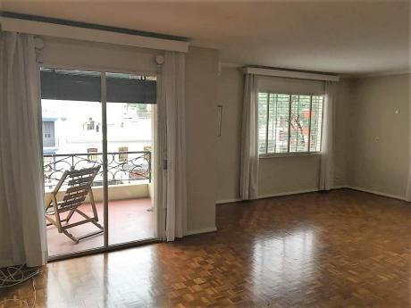 Apartamento Pocitos - 4 Dormitorios - 3 Baños - Buena Ubicación