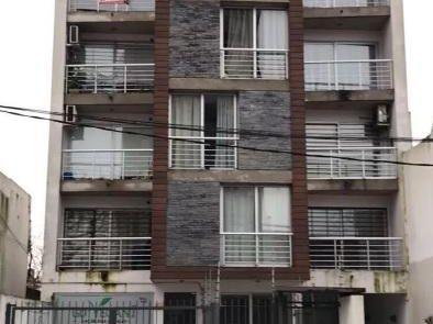 Rivera Y Bv. 21.000$, 2 Dorm, 2 BaÑos, Gje Fijo 2 Autos.