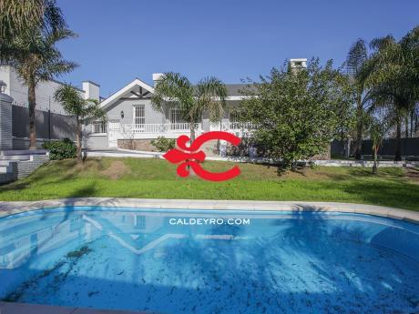 Casa En Carrasco. Ref: 5012
