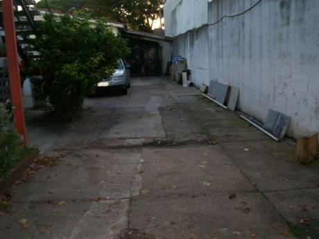 859 M2 Terreno  Casa + 2 Aptos + Taller Con Trifásica