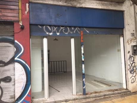 Buen Local, Vacío, Rivera/rosell Y Rius