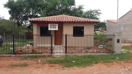 Vendo Casa A Estrenar Ubicada Entre Ñemby Y Villa Elisa (barrio Mbocayaty)