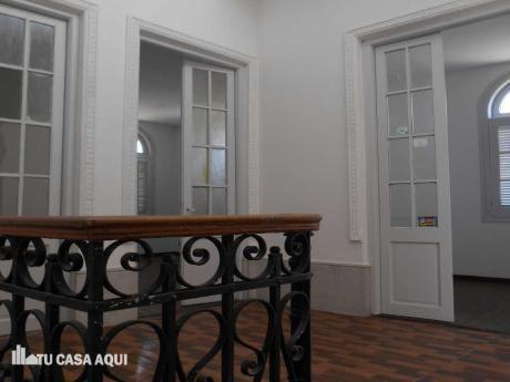 Lindisima Casa De Altos Toda Exterior, Gran Terraza Con Parrillero.