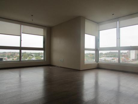 Hermoso Apartamento, En Piso Alto, Con La Mejor Orientación,garaje
