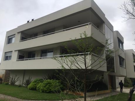 Apartamento De Moderna Planta